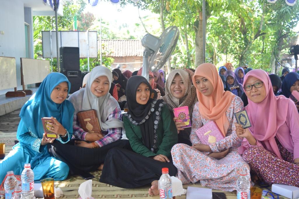 alumni santri putri Pon.Pes Al Fattah